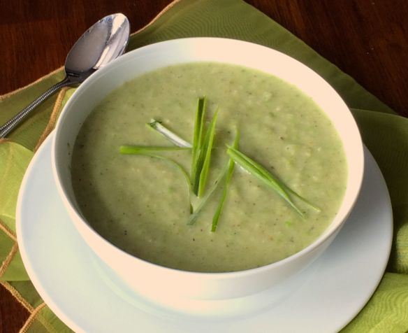 Cauliflower and Pea Soup | #pkway