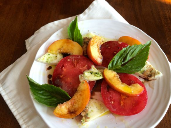 Caprese Salad wiht Peaches and Balsamic