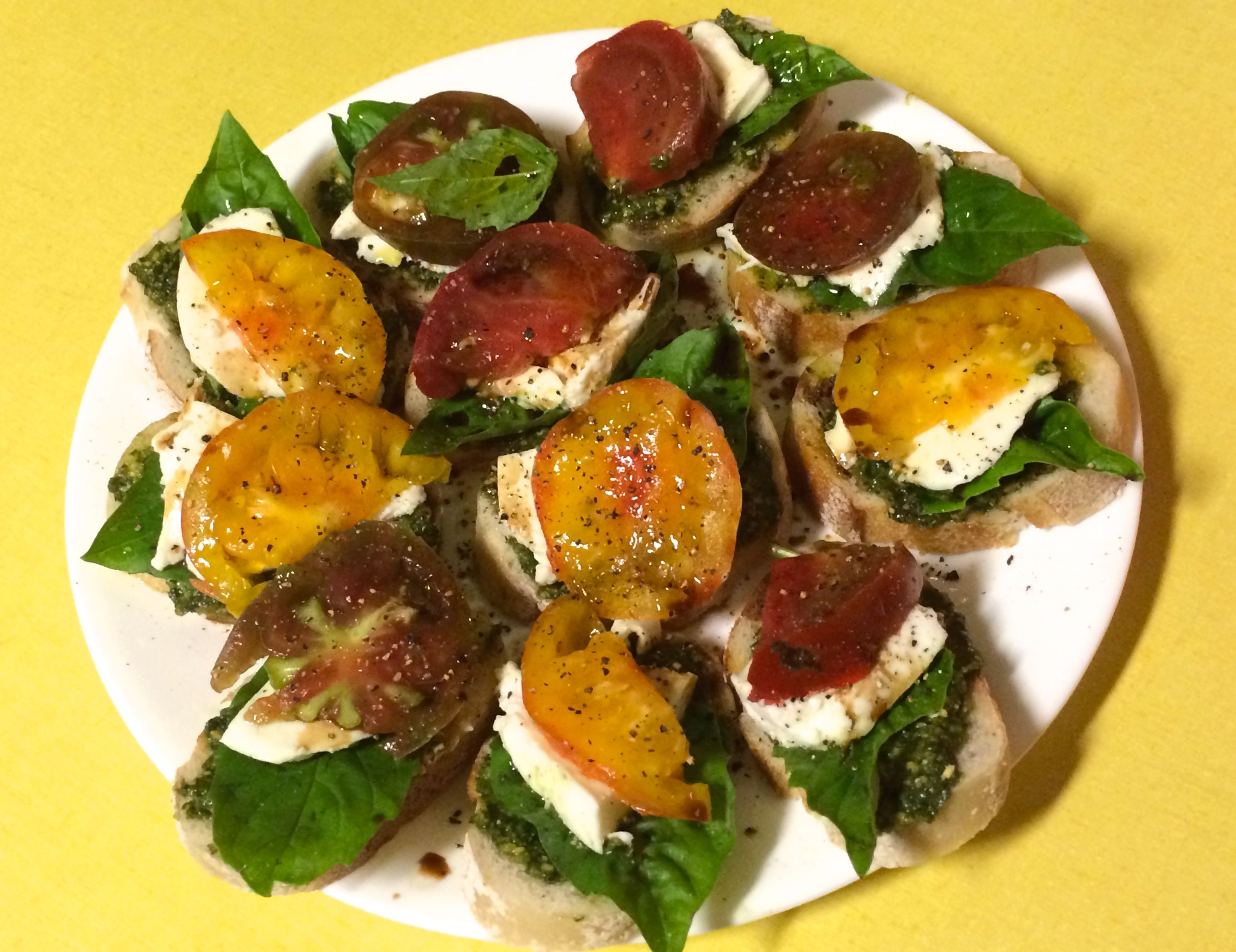 Heirloom Tomato and Pesto Sandwich